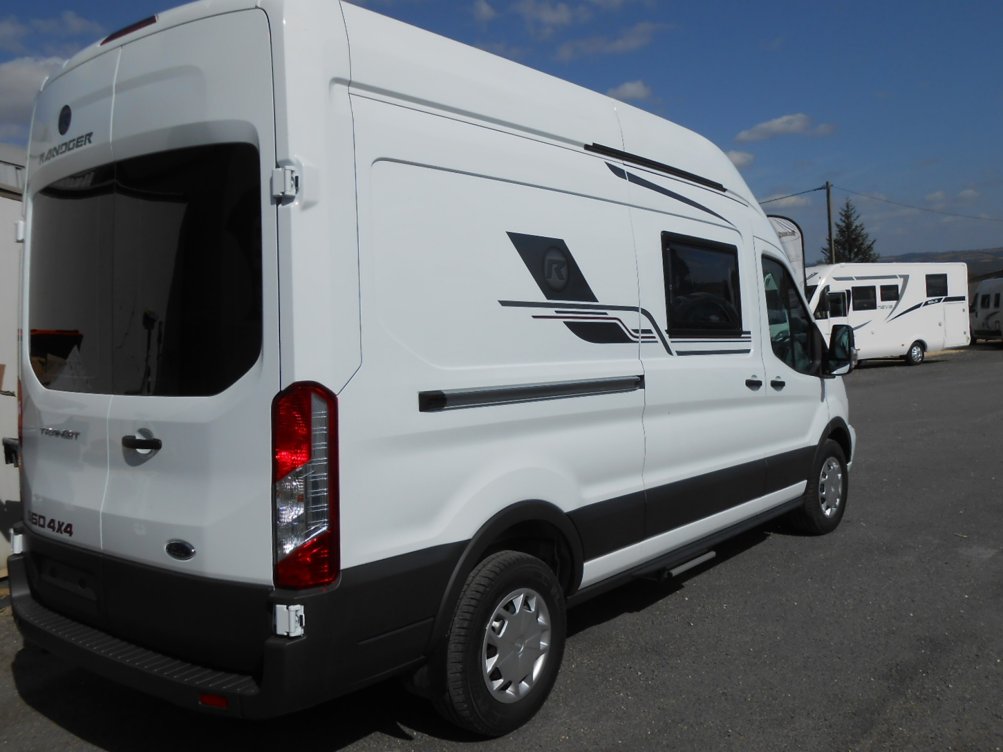 randger r560 4x4 neuf de 2019 ford camping car en vente la primaube aveyron 12. Black Bedroom Furniture Sets. Home Design Ideas