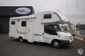 Roller team garage maxi occasion de 2010 ford camping for Location garage caravane