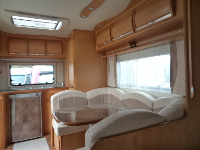 la mancelle 440 cbm neuf caravane vendre en cher 18 ref 3120. Black Bedroom Furniture Sets. Home Design Ideas
