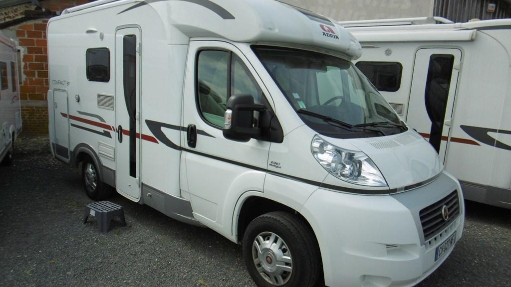 adria compact sp occasion de 2013 fiat camping car en vente claye souilly seine et marne. Black Bedroom Furniture Sets. Home Design Ideas