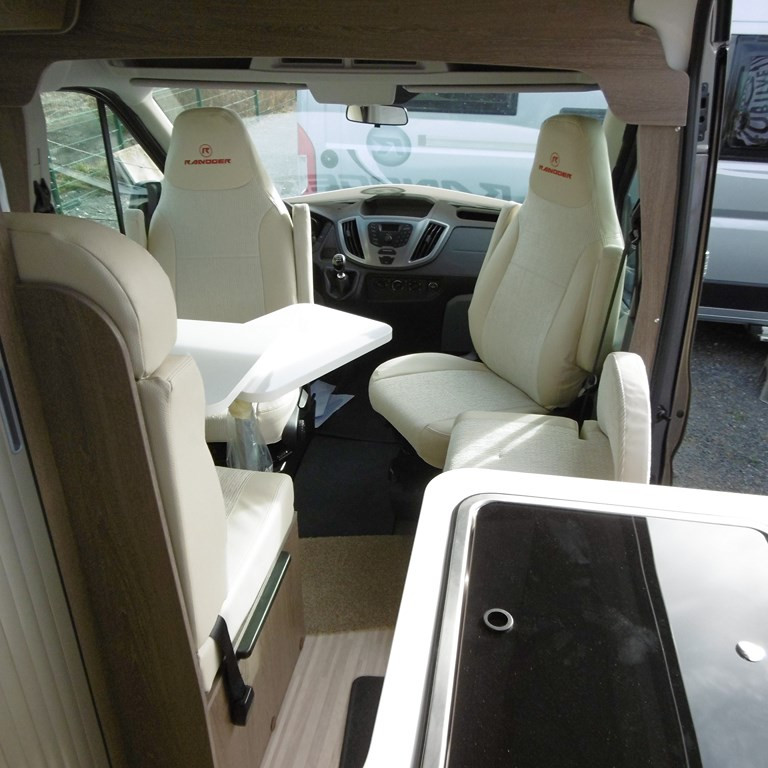 randger r560 4x4 neuf de 2019 ford camping car en vente claye souilly seine et marne 77. Black Bedroom Furniture Sets. Home Design Ideas