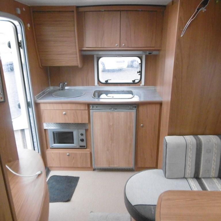 burstner amara 470 ts occasion de 2005 caravane en vente claye souilly seine et marne 77. Black Bedroom Furniture Sets. Home Design Ideas