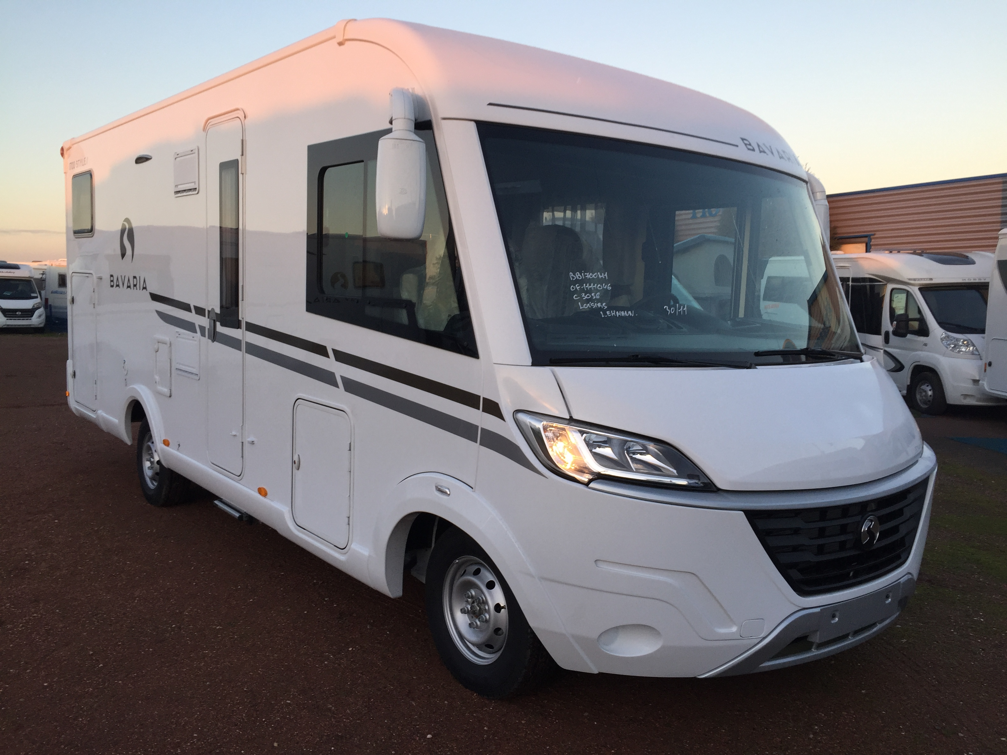 bavaria i 700 gj style neuf de 2017 fiat camping car en vente oberschaeffolsheim rhin 67. Black Bedroom Furniture Sets. Home Design Ideas