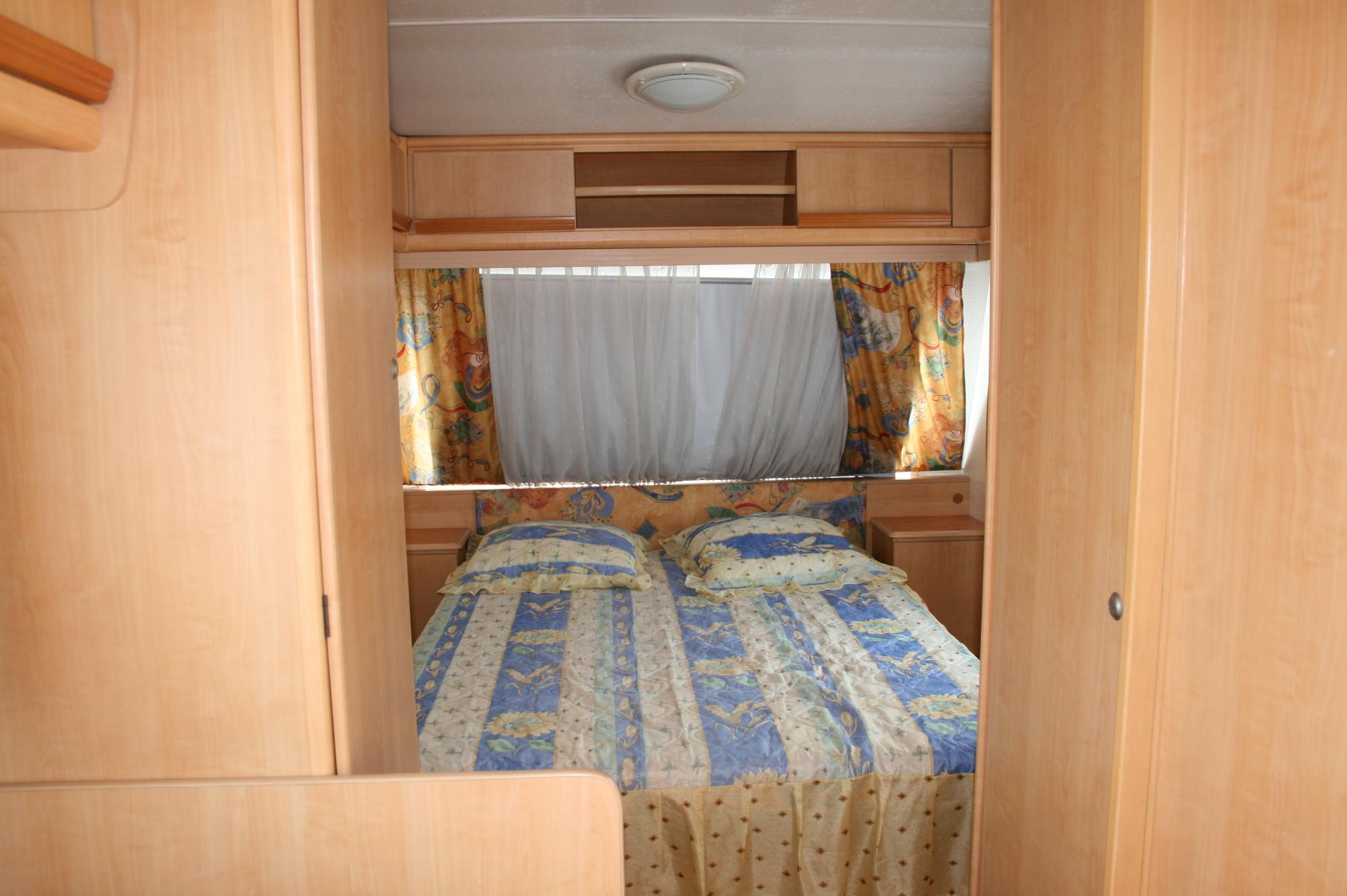 go loisirs lehmann caravelair brasilia 440 annonces. Black Bedroom Furniture Sets. Home Design Ideas