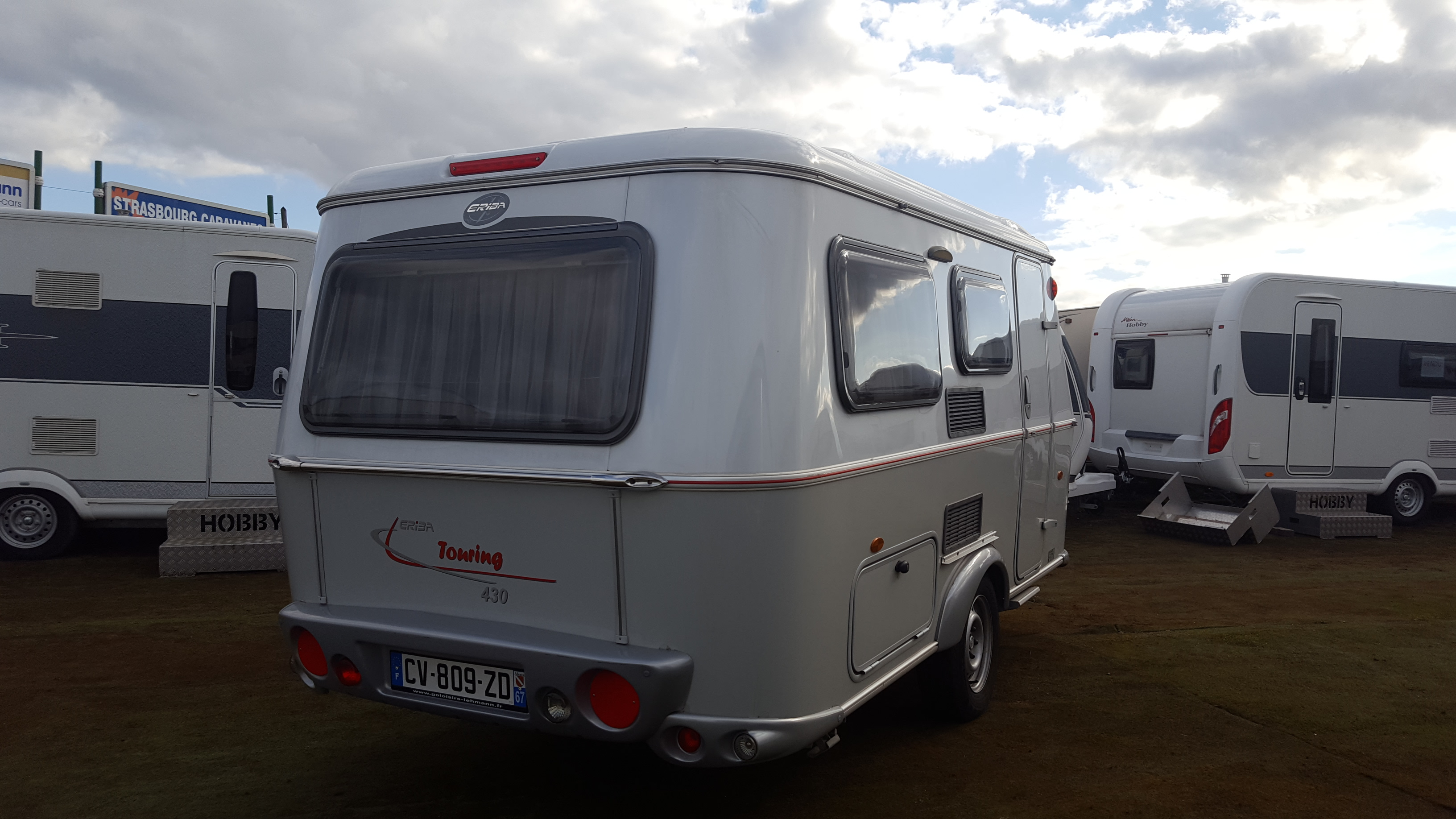 eriba touring 430 occasion de 2013 caravane en vente oberschaeffolsheim rhin 67. Black Bedroom Furniture Sets. Home Design Ideas