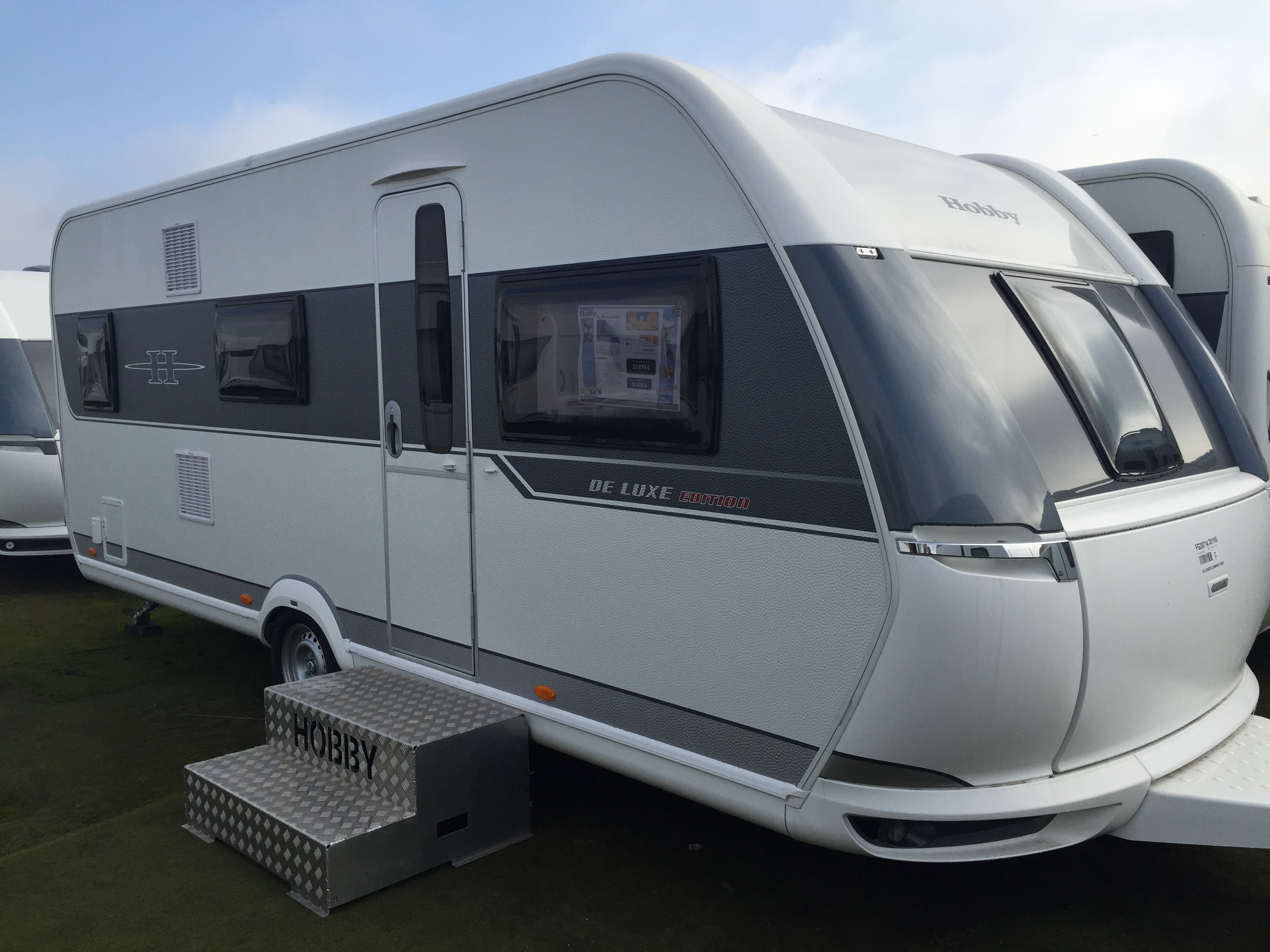 hobby 545 kmf de luxe edition neuf de 2017 caravane en vente oberschaeffolsheim rhin 67. Black Bedroom Furniture Sets. Home Design Ideas