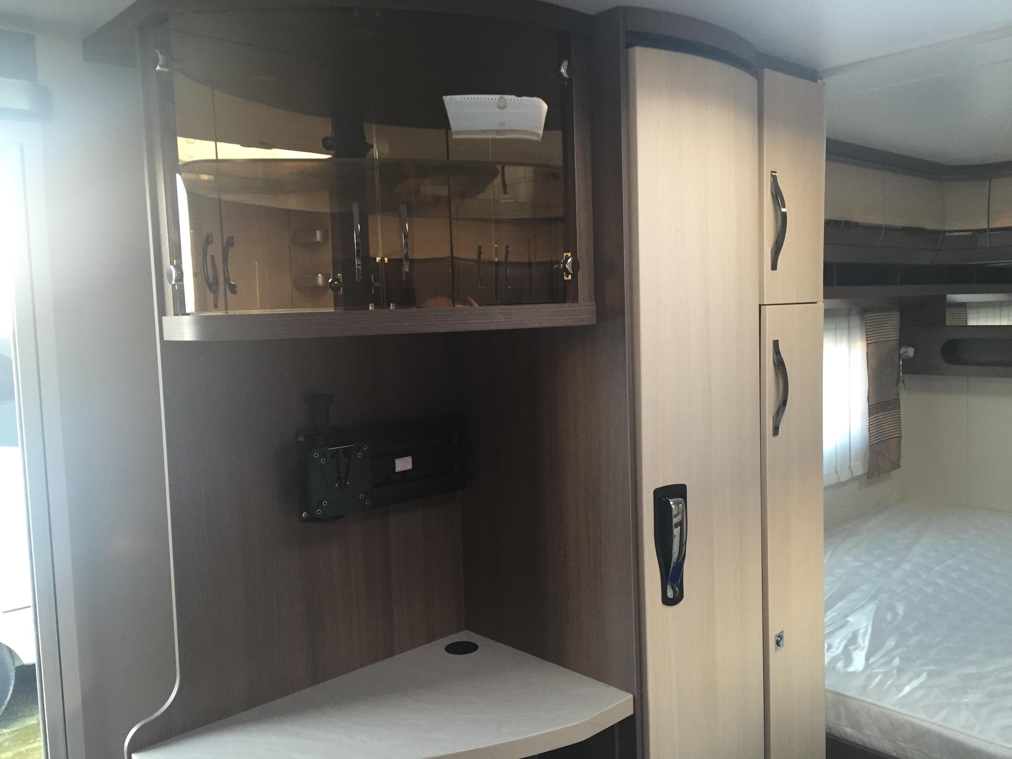 hobby 660 wfc prestige neuf de 2017 caravane en vente oberschaeffolsheim rhin 67. Black Bedroom Furniture Sets. Home Design Ideas
